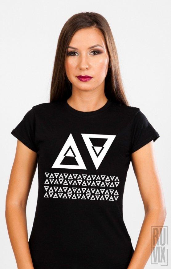 Tricou A V